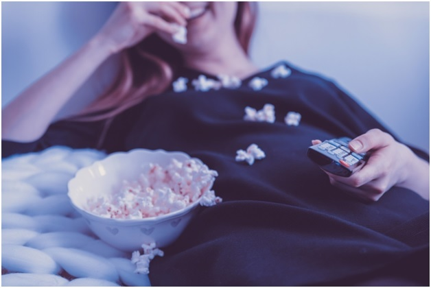 Staying In? 4 Gadgets for Cozy Movie Nights at Home