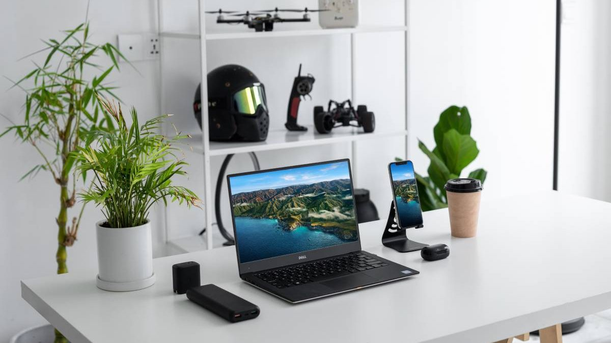 Top 6 Must-Have Gadgets For Professionals