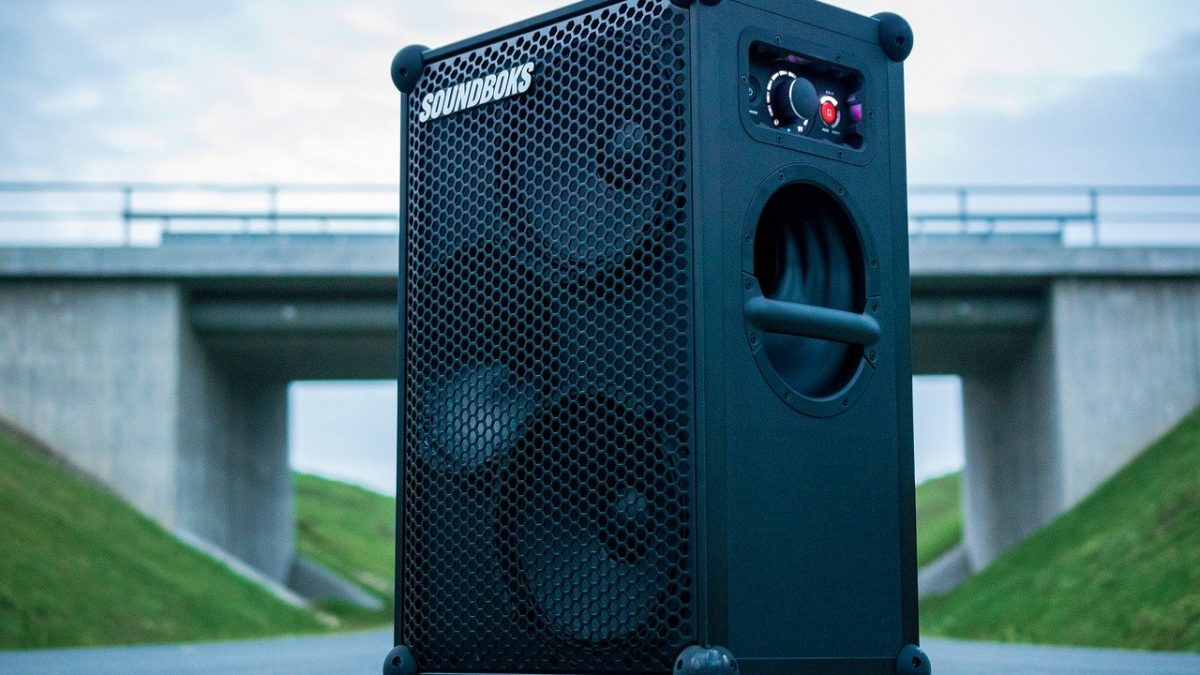 How to Choose the Best Bluetooth Speaker for Outdoor Activities