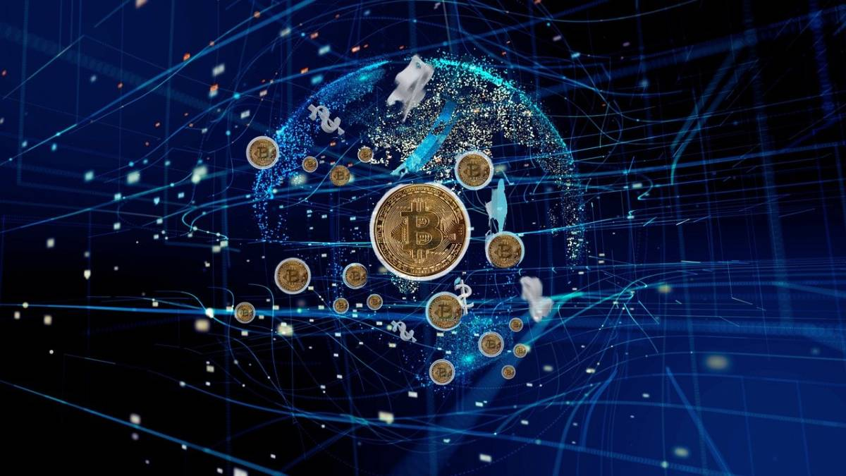 Why Many Experts Are Prioritizing Stablecoins Over Bitcoins As An Investment